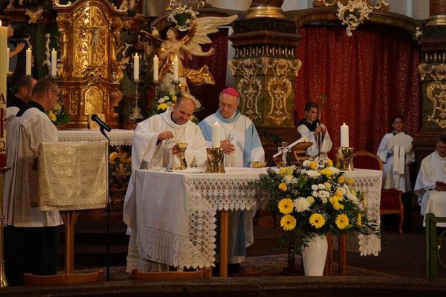 V kostele svatého Mikuláše se uskutečnila zádušní mše a odhalení pamětní desky věnované Vladimíru Bornovi.