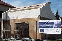 JIŽ V LÉTĚ se dočkají turisté mířící do Přimdy nového infocentra. V jeho blízkosti bude navíc vybudována odpočinková zóna s dětským hřištěm.