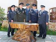 Čtveřice oceněných hasičů. zleva: Miroslav Kundrát (doprovod), Jindřich Otta, Jaroslav Kobza, Jan Stankov, Milan Putiš.
