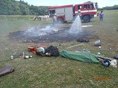 Hasiči během neděle zasahovali celkem u čtyř různých požárů. Jeden se stal také na louce za Stříbrem.