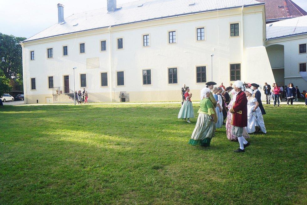 V areálu Muzea Českého lesa se uskutečnila Barokní slavnost.