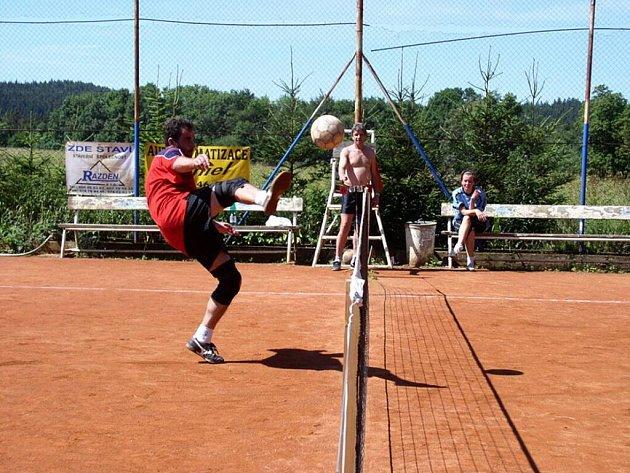 Nohejbalový turnaj trojic.