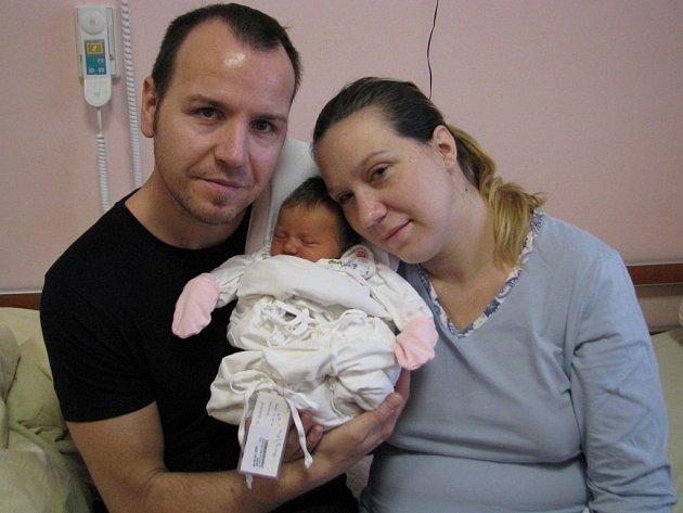 Veronika (3, 06 kg, 51 cm) se narodila 18. 11. V 16:58 ve FN v Plzni. Ze své prvorozené holčičky se radují maminka Miloslava a tatínek Michal Bláhovi ze Stříbra.
