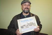 ZDENĚK PROCHÁZKA s novou knihou věnovanou historickému Tachovsku.