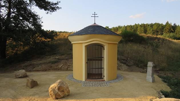OBNOVĚ KAPLE V BRODU U STŘÍBRA byla o kladrubské pouti zasvěcena Panně Marii.