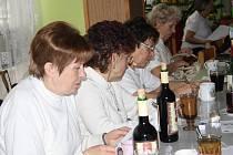 Na výroční schůzi se v sobotu sešli tachovští turisté. Tradičně si vlastními silami připravili i bohaté občerstvení.