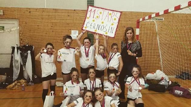 Černošínské tanečnice ze skupiny 11Stars si přivezly ze soutěže z Klatov stříbrnou a bronzovou medaili.