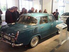 Studenti si mohli prohlédnout také nablýskané exponátu v Muzeu Škoda.