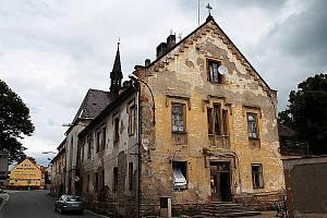 Budova bývalého kláštěra v Boru.