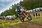 DOMINIK KUČEŘÍK zahájil seriál mistrovství ČR juniorů v motokrosu třetím místem v závodu v Horažďovicích.
