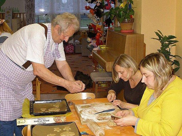 Zájemci se naučili dělat staročeské perníky