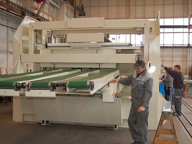 Výrobce strojů na lepenku vytvořil desítky nových míst