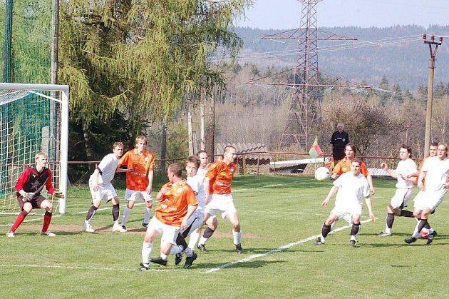 Fotbalový zápas: TJ Rozvadov – FC Chrást 3:4