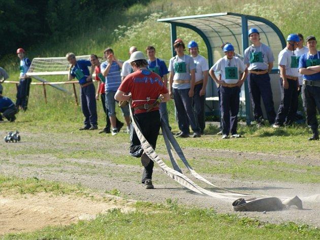 Soutěž v požárním sportu, která se konala v sobotu dopoledne v Boru, vyhrálo SDH Stříbro.