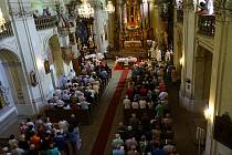 V areálu svaté Anny u Plané se uskutečnila barokní pouť. O její zahájení se postarala mše v místním kostele.