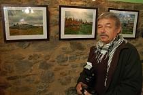 Květoslav Jiránek vystavuje v Dolních Polžicích.