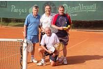 Tenisové kurty Slavoje Tachov u koupaliště byly dějištěm tenisového turnaje Diana Cup