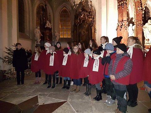 V klášterním kostele Nanebevzetí Panny Marie v Kladrubech se uskutečnil koncert partnerských měst.