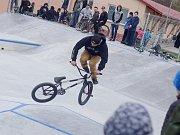 Desítky jezdců všech věkových kategorií si přišlo vyzkoušet nově opravený skatepark v okresním městě. První dojmy jsou vesměs velmi pozitivní.
