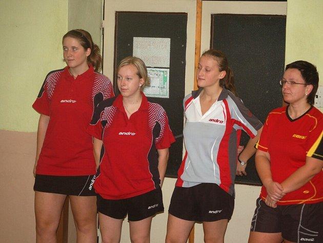 Stolní tenistky S. Bor TeVo B na rezervu S. Plzeň V. B nestačila, ale C tým porazila