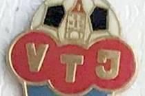 Aktuálně je podle působení v nejvyšší soutěži fotbalovým vládcem tachovského okresu klub krajského přeboru TJ Baník Stříbro. Před 25 lety se o tento post snažil klub pod názvem VTJ Stříbro.