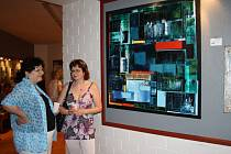 Výstava na Malé scéně v Konstantinových Lázních potrvá do 27. května a otevřena je vždy ve čtvrtek a v sobotu odpoledne.