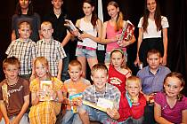 Na snímku účastníci kategorie hry na hudební nástroje.