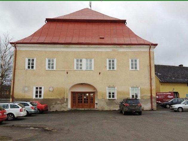 SOUČÁSTÍ záměrů Agročasu je přeměna areálu na veřejně přístupné místo i rekonstrukce zámečku.