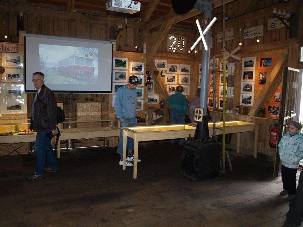 V Bezdružicích otevřeli Muzeum Bezdružické lokálky. Otevírání se konalo v rámci akce Vítání jara na Bezdružicku. Přitom byl otevřen i Dvůr Krasíkov