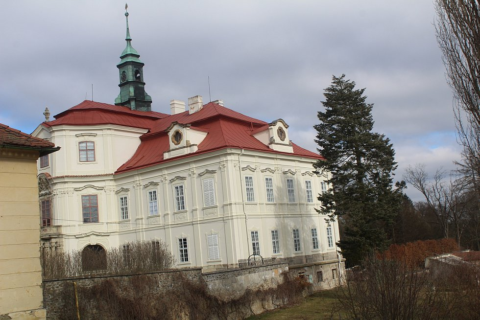 Barokní zámek v Trpístech.
