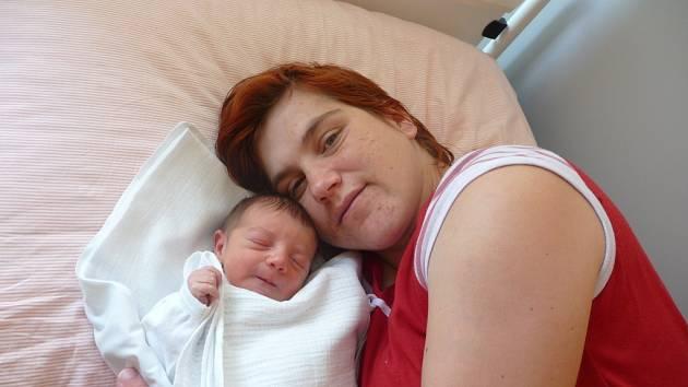 Valérie (2,90 kg, 47 cm) přišla na svět 12. července v Mulačově nemocnici v Plzni. Z jejího narozené se radují rodiče Andrea Sinkuličová a Václav Šlapák a také šestiletý bráška Dominik ze Záchlumí.