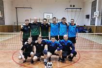 Finalisté krajského nohejbalového poháru týmů Zruč-Senec (v zeleném) a Horažďovice.
