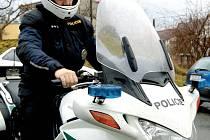 Do ´boje´ s motorkáři se může dnes zapojit jen dálníční policie se svým novým strojem.
