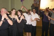 Štafetu pořadatele plesu převzalo Sytno