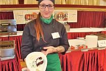 STUDENTKA Denisa Pražáková získala třetí místo v kuchařské soutěži.