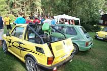 """Na Sycherák se sjeli majitelé Fiatů 126p """"Maluchů"""""""