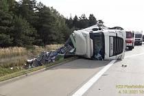 Nehoda kamionu na dálnici D5.