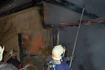 Požár v osadě Boudy.