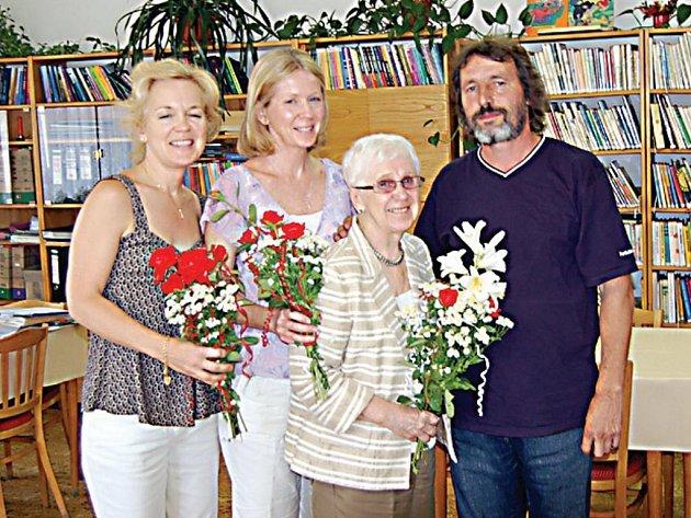 Do Svojšína přicestovala Josefa Glosauer i se svými dcerami. V budově radnice návštěvu přivítal tamní starosta Karel Petráň.