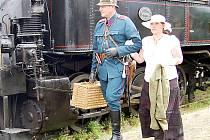 Občanské sdružení Plzeňská dráha se chystá vybudovat v Bezdružicích železniční muzeum. K jeho dalším aktivitám v regionu patří i akce Bezdružické parní léto (na snímku).