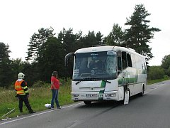 Nehoda kamionu a autobusu u Chodové Plané na Tachovsku