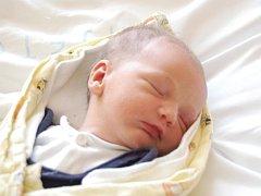 Richard Kováč se ve středu  2. července ve 20,25 hodin narodil mamince Bohumile Kubešové  a tatínku Norbertu Kováčovi z Tachova. Rodiče nevěděli předem, že budou mít syna, ale tatínek při jeho příchodu na svět nechyběl. Ríša vážil 3,40 kg a měřil 51 cm