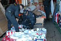 Na Svaté Kateřině bylo v sobotu zajištěno 2.600 kusů nelegálního zboží v hodnotě 6 milionů 250 tisíc korun.