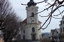 Kostel sv. Jiří v Černošíně.