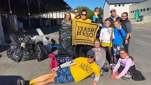 Z úklidových akcí Trash Hero Tachov. Foto: Archiv Davida Vojty
