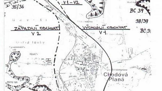 Mapka se dvěma řešeními obchvatu Chodové Plané.