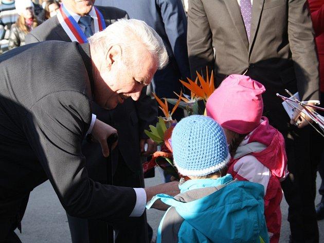 Z návštěvy prezidenta Miloše Zemana v Kostelci.