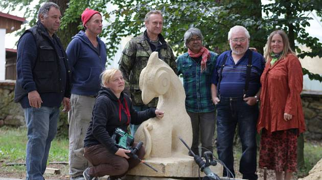 Závěr mezinárodního sochařského sympózia v Chodové Plané