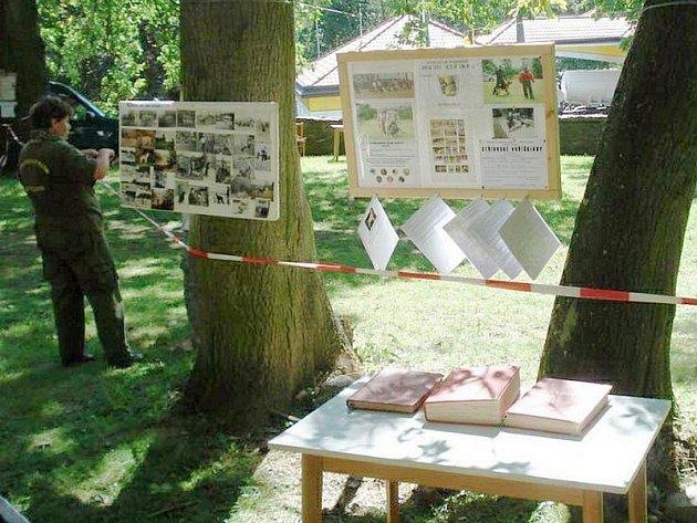 Ve Stříbře v rámci setkání horníků vystavili kynologové straré dokumenty a fotografie.