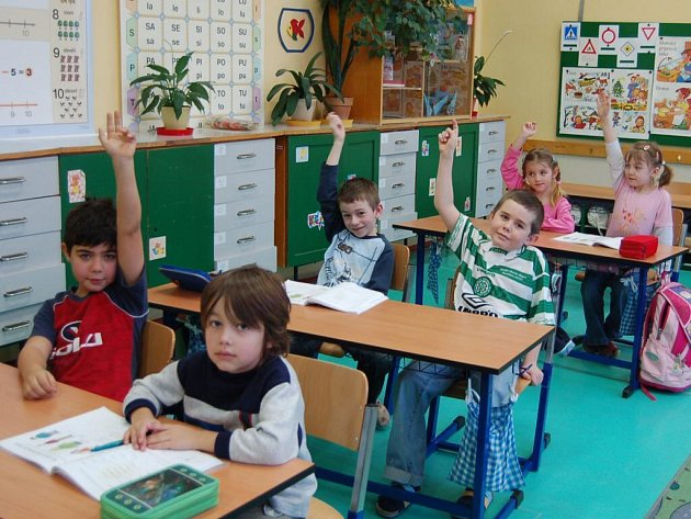 SPOLU S NEŠTOVICEMI chřipka vylidnila první třídu v Přimdě. Ze sedmnácti dětí jich včera do lavic usedlo šest (na snímku)